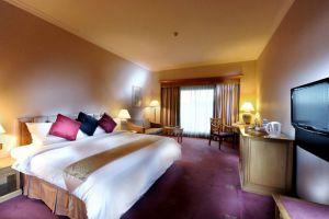 Riverside-Majestic-Hotel-Kuching-Sarawak-Club-Superior-or-Deluxe-King.jpg
