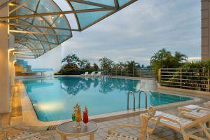 Riverside-Majestic-Hotel-Kuching-Sarawak-Pool.jpg