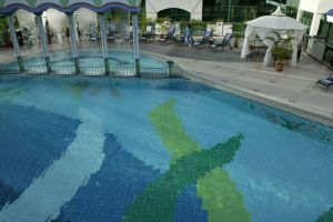 Rizqun-International-Hotel-Bandar-Seri-Begawan-Bruei-Pool.jpg
