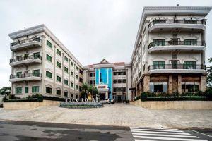 Rock-Royal-Hotel-Resort-Kep-Cambodia-Entrance.jpg