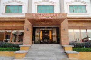 Rock-Royal-Hotel-Resort-Kep-Cambodia-Restaurant.jpg