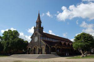 Roman-Catholic-Diocese-Cathedral-Kon-Tum-Vietnam-002.jpg