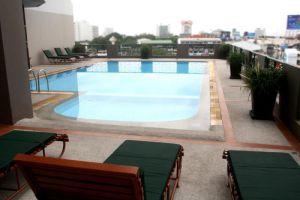 Royal-Lanna-Hotel-Chiang-Mai-Thailand-Pool.jpg