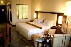 Royal-Lanna-Hotel-Chiang-Mai-Thailand-Room.jpg