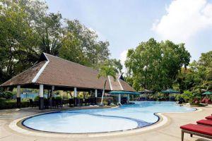 Royal-Orchid-Sheraton-Hotel-Tower-Bangkok-Thailand-Pool.jpg