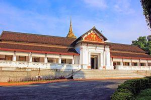 Royal-Palace-Museum-Luang-Prabang-Laos-002.jpg