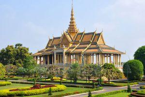 Royal-Palace-Phnom-Penh-Cambodia-005.jpg
