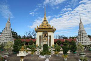 Royal-Palace-Phnom-Penh-Cambodia-006.jpg