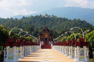 Royal-Pavilion-Hor-Kham-Luang-Chiang-Mai-Thailand-03.jpg