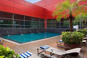 Royal-Plaza-on-Scotts-Hotel-Orchard-Singapore-Pool.jpg