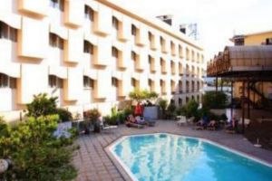 Royal-Rattankosin-Hotel-Bangok-Thailand-Pool.jpg