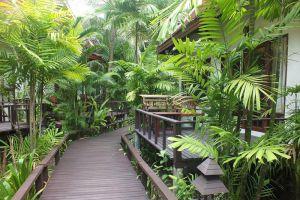 Royal-Resort-Spa-Lanta-Krabi-Thailand-Garden.jpg