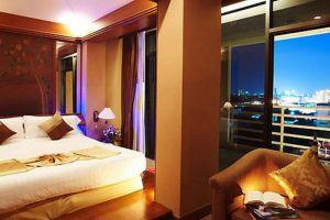 Royal-River-Hotel-Bangkok-Thailand-Room.jpg