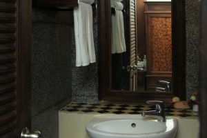 Royal-Riverkwai-Resort-Spa-Kanchanaburi-Thailand-Bathroom.jpg