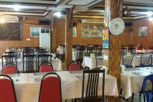 Ruean-Rojjana-Restaurant-Ayutthaya-Thailand-002.jpg