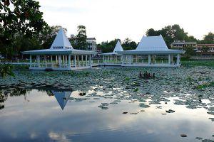 Sa-Kaphang-Surin-Public-Park-Trang-Thailand-02.jpg