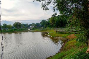 Sa-Kaphang-Surin-Public-Park-Trang-Thailand-05.jpg