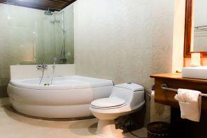 Sada-Hotel-Luang-Prabang-Laos-Bathroom.jpg
