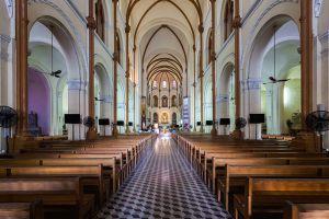Saigon-Notre-Dame-Basilica-Ho-Chi-Minh-Vietnam-003.jpg