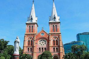 Saigon-Notre-Dame-Basilica-Ho-Chi-Minh-Vietnam-004.jpg