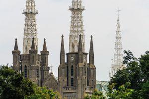 Saint-Mary-Assumption-Cathedral-Jakarta-Indonesia-002.jpg
