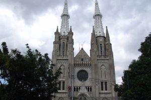 Saint-Mary-Assumption-Cathedral-Jakarta-Indonesia-004.jpg