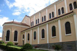 Saint-Nicholas-Cathedral-Dalat-Vietnam-004.jpg