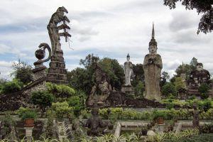 Sala-Kaeo-Ku-Wat-Khaek-Nongkhai-Thailand-003.jpg