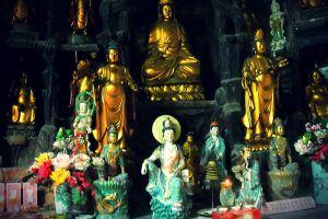 Sam-Poh-Buddhist-Temple-Pahang-Malaysia-003.jpg