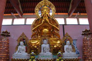 Sam-Poh-Buddhist-Temple-Pahang-Malaysia-005.jpg