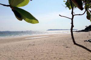 Samae-Beach-Chonburi-Thailand-02.jpg