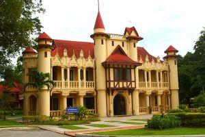 Sanam-Chandra-Palace-Nakhon-Pathom-Thailand-001.jpg