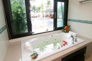 Sand-Sea-Resort-Spa-Samui-Thailand-Bathroom.jpg