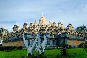 Sandstone-Pagoda-Wat-Pa-Kung-Roi-Et-Thailand-02.jpg