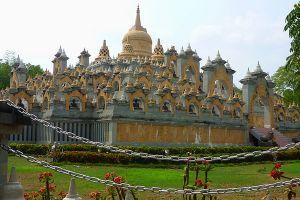 Sandstone-Pagoda-Wat-Pa-Kung-Roi-Et-Thailand-03.jpg