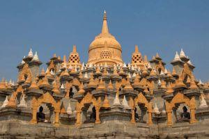 Sandstone-Pagoda-Wat-Pa-Kung-Roi-Et-Thailand-06.jpg
