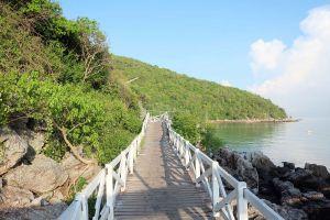 Sangwan-Beach-Chonburi-Thailand-05.jpg