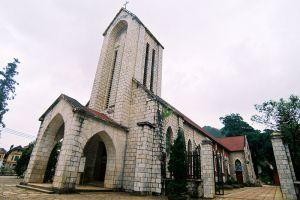 Sapa-Stone-Church-Lao-Cai-Vietnam-004.jpg