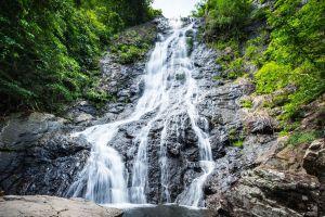 Sarika-Waterfall-Nakhon-Nayok-Thailand-01.jpg