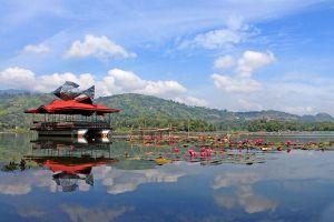Sebu-Lake-South-Cotabato-Philippines-004.jpg