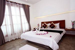 Shadow-Angkor-Hotel-Siem-Reap-Cambodia-Room.jpg