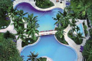 Shangri-la-Hotel-Jakarta-Indonesia-Pool.jpg