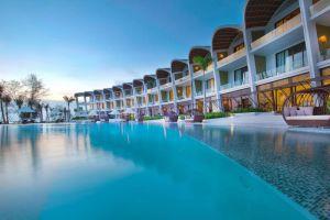 Shells-Resort-Spa-Phu-Quoc-Island-Vietnam-Pool.jpg