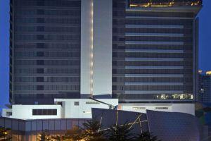 Sheraton-Grand-Gandaria-City-Hotel-Jakarta-Indonesia-Facade.jpg