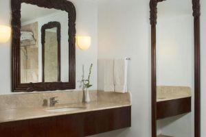 Sheraton-Senggigi-Beach-Resort-Lombok-Indonesia-Bathroom.jpg