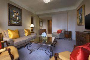 Sheraton-Towers-Hotel-Orchard-Singapore-Living-Room.jpg
