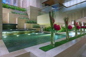 Sheraton-Towers-Hotel-Orchard-Singapore-Pool.jpg