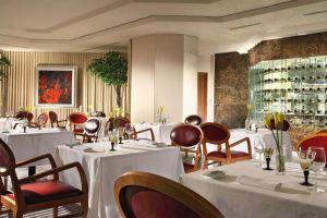 Sheraton-Towers-Hotel-Orchard-Singapore-Restaurant.jpg