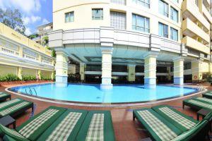 Sherwood-Residence-Hotel-Ho-Chi-Minh-Vietnam-Pool.jpg