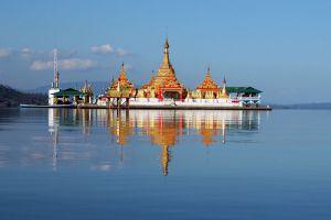Shwe-Myitzu-Pagoda-Mohnyin-Kachin-State-Myanmar-001.jpg